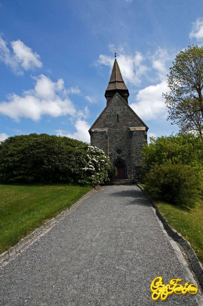 Fana Kirke 1100's